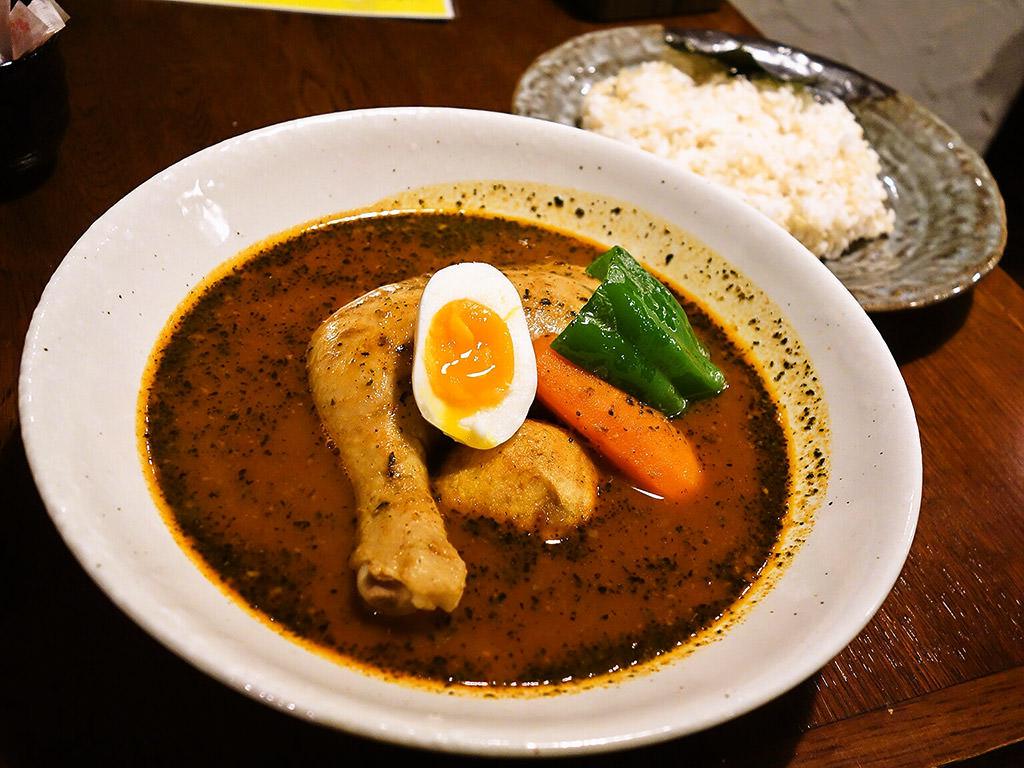 札幌らっきょ (本店)「知床鶏スープカレー」