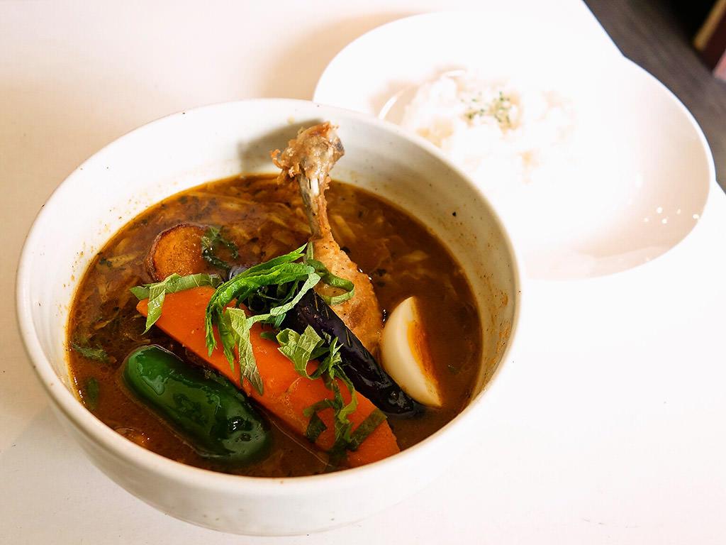 北カフェ sweets & soup curry (中央区・西線9条そばに移転OPEN)「スープカレー チキン」