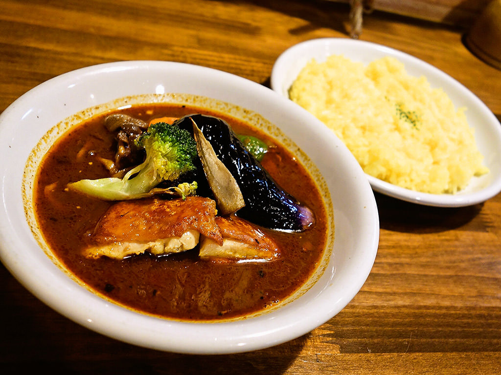 Soup Curry Kitchen カレーリーブス「チキン野菜カレー」