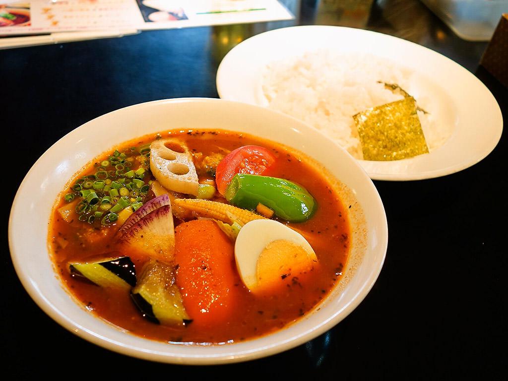 カレー食堂 心 札幌本店「17種の野菜のスープカレー」