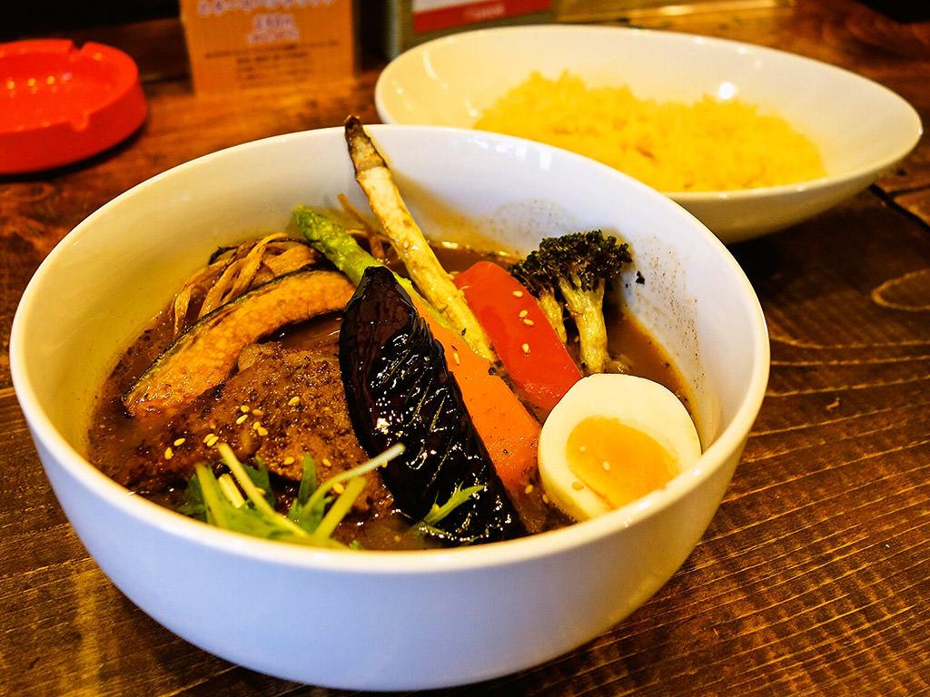 Spicy Soup Curry LEGON(レゴン)「ハニーマスタードポークスープカレー」