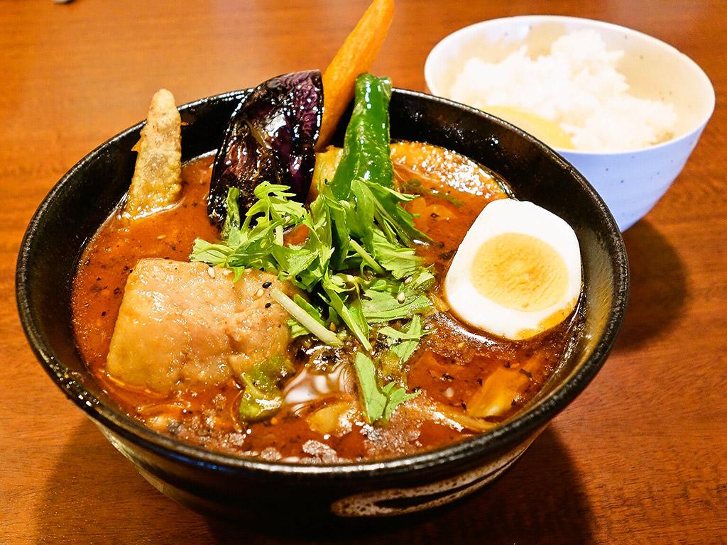 スープカリー 奥芝商店 函館本店 ~道南でSHOW~「絶品上ノ国産フルーツポークの角煮カリー」