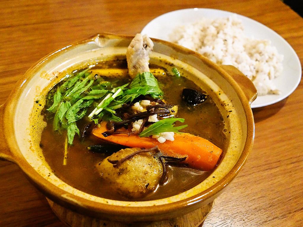 Curry Shop ALLEGLA(アレグラ)「スープカレー チキンともち麦」