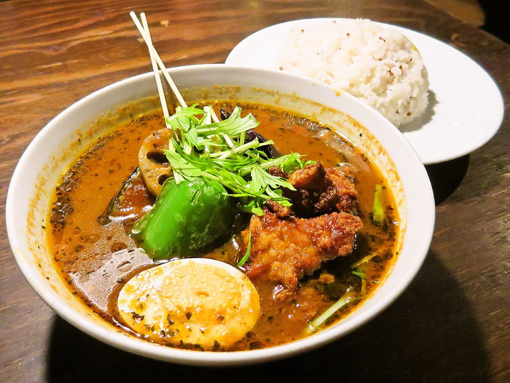 soup curry & bar Suage+(すあげプラス) 本店「北海道 厚真産 鶏唐あげカレー」