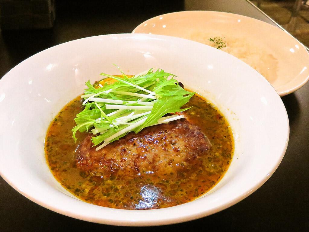 駅前咖哩 Vege 南平岸店「ハンバーグとお野菜のカレー」