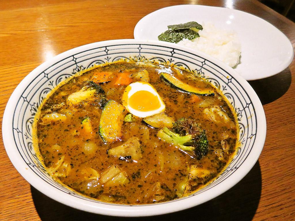 札幌らっきょ (本店)「ゴロゴロ野菜とらっきょ特製キーマのスープカレー」