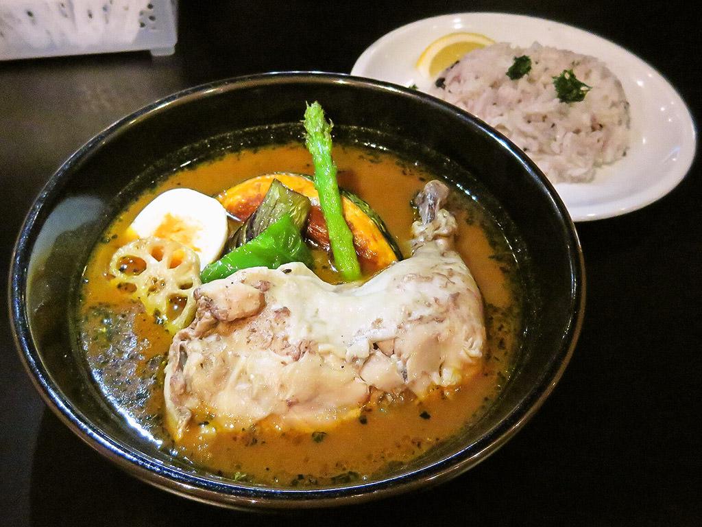 スープカリのお店 香屋 (KOU-YA)「骨付きチキン&ベジータ」