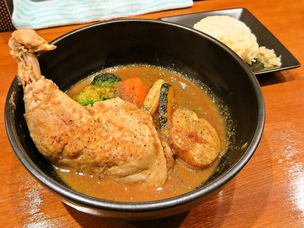 3104 知床スープカレー「知床鶏レッグ」