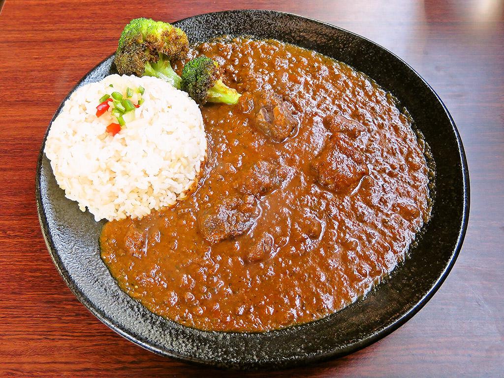 Samurai.Cafe (サムライカフェ)「赤ワイン仕立てのラムカレー」