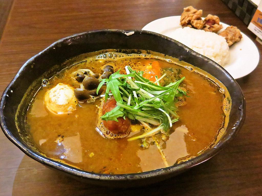 hiri hiri the SUN premium (スープカリー&Dining Cafe ヒリヒリ)「Gフランク&ほうれん草」