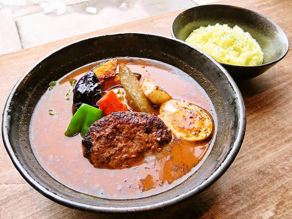 スープカリー エソラ (SOUP CURRY ESOLA)「エソラ特製ハンバーグ野菜カリー」