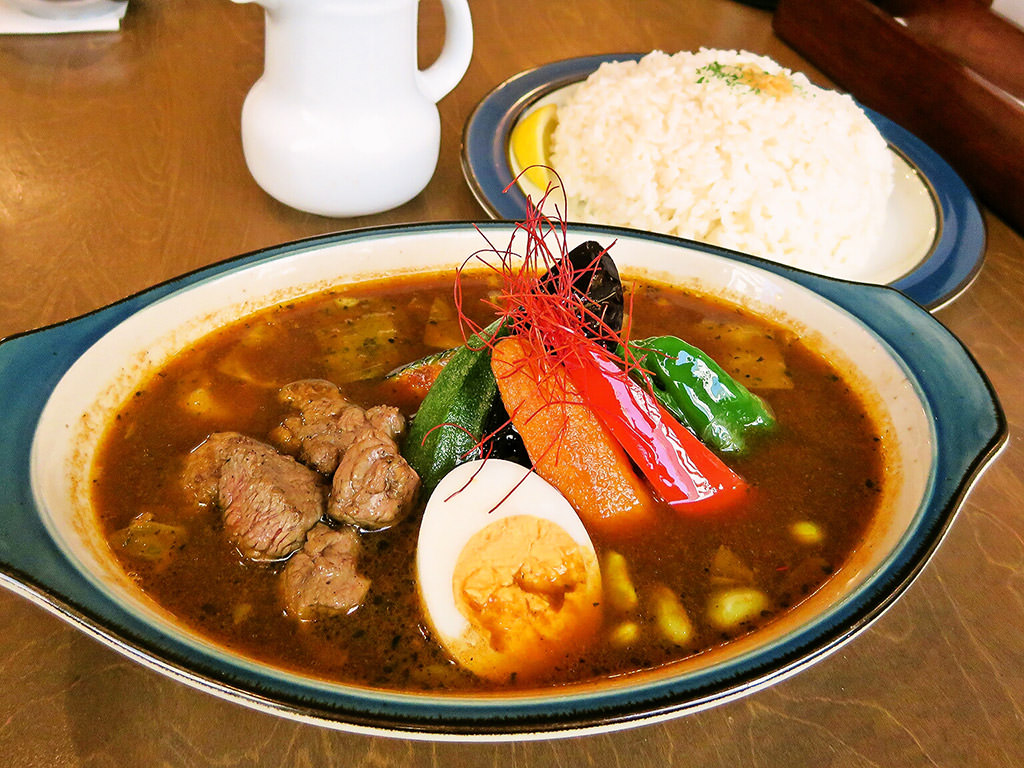 BAR CAFE SOUPCURRY ZORA「炙りラムのカレー」
