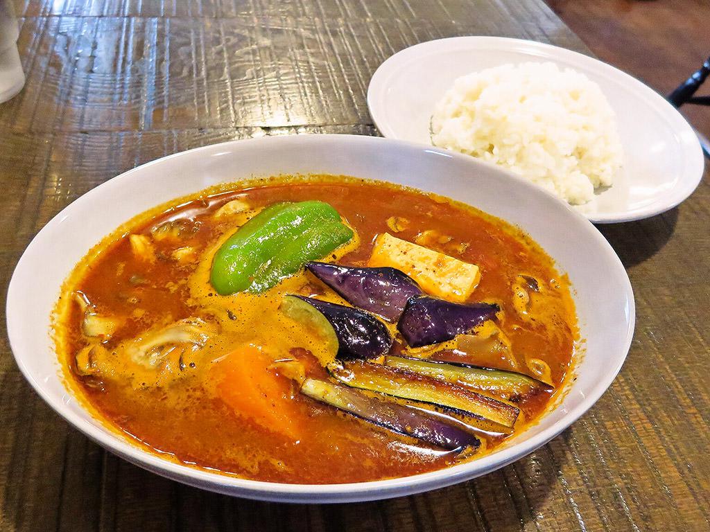 曉 AKATSUKI CURRY「豆腐ときのこと野菜」