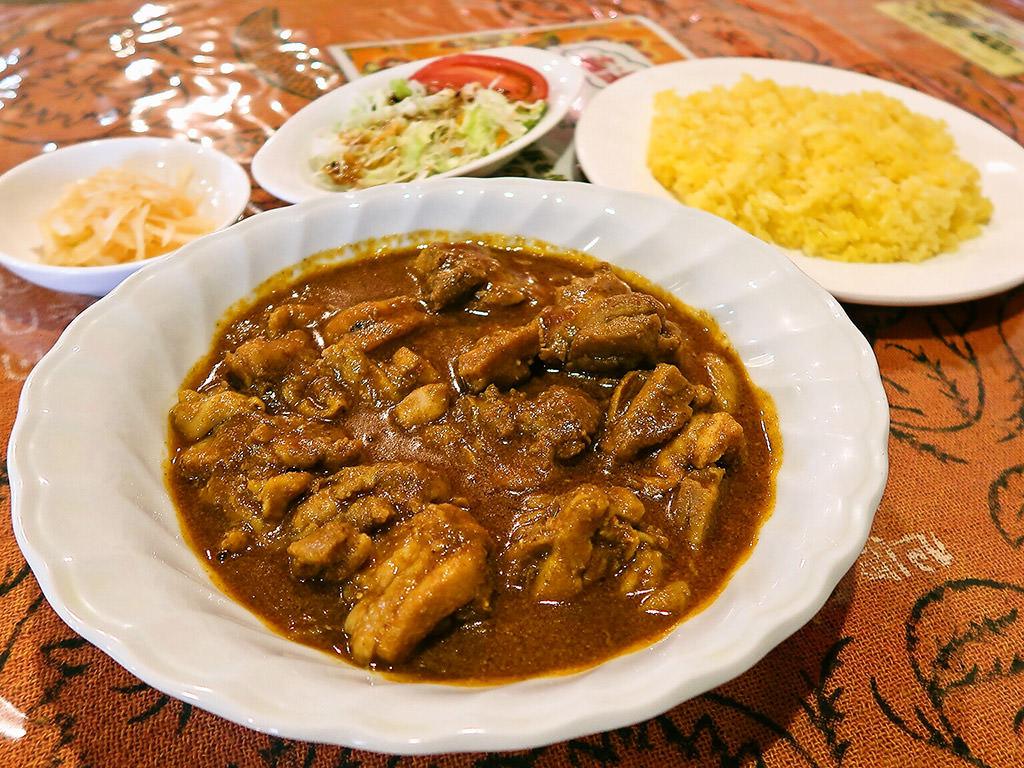 スリランカカレーの店 チャンドリカ「チキンカレーセット」