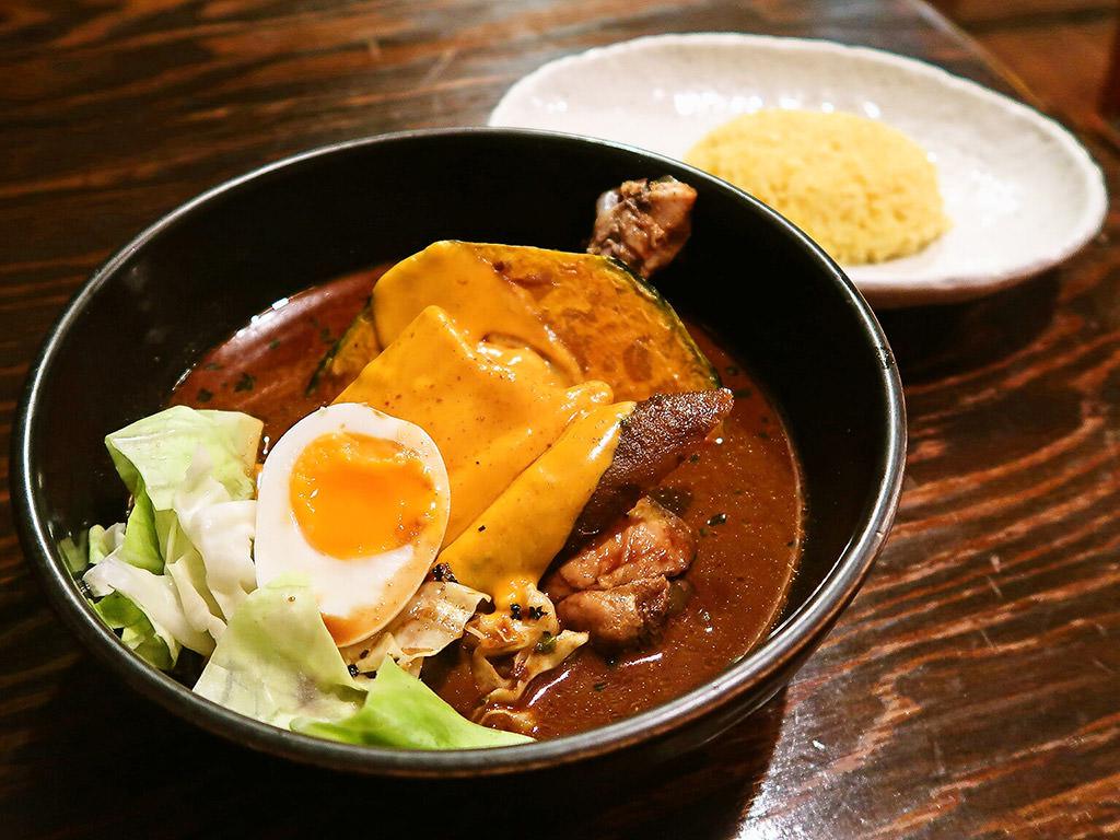スープカリー専門店 元祖 札幌ドミニカ (すすきのに移転済)「チキン」