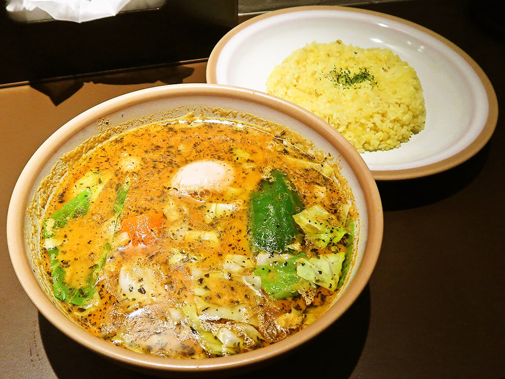SOUP CURRY KING セントラル「煮込みチキンカリー」
