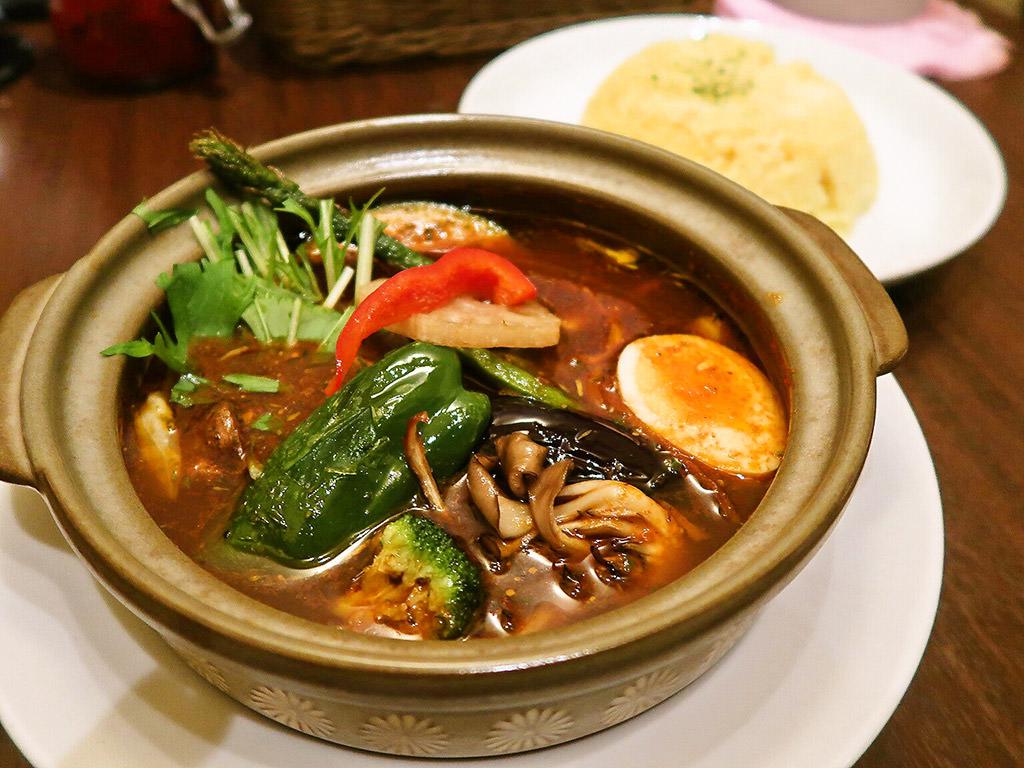 札幌スープカレー傾奇 KABUKI「17種の大地の奇跡ベジタブルカレー」