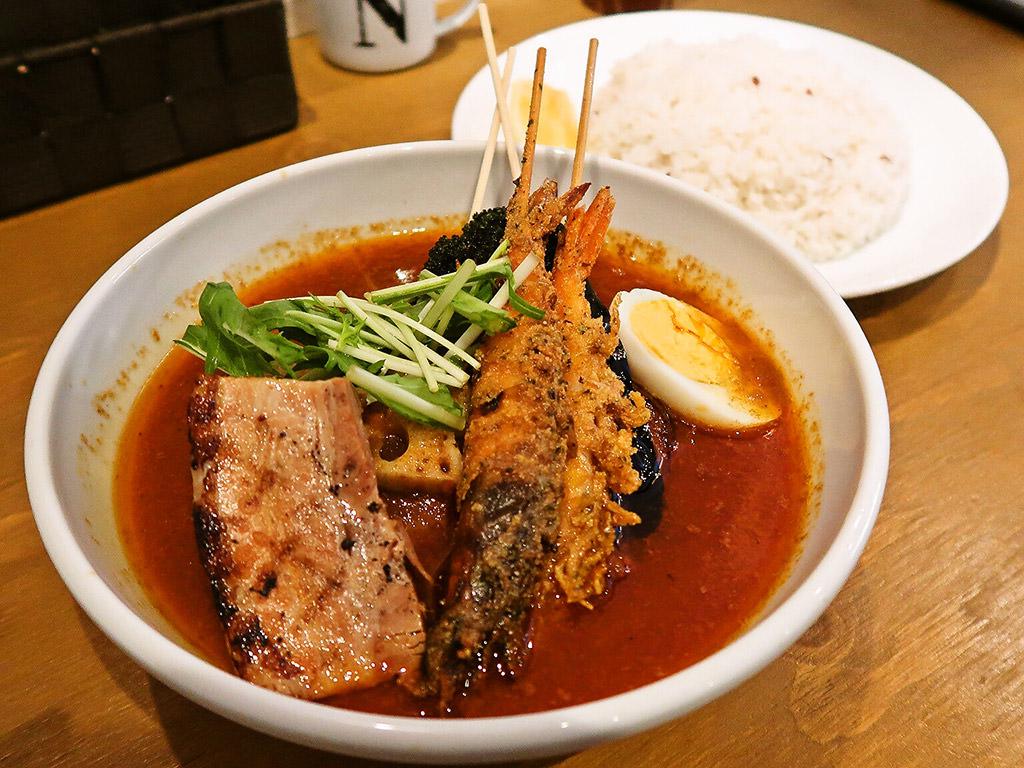 soup curry Suage2 (すあげ2)「ソフトシェルシュリンプと野菜のカレー」