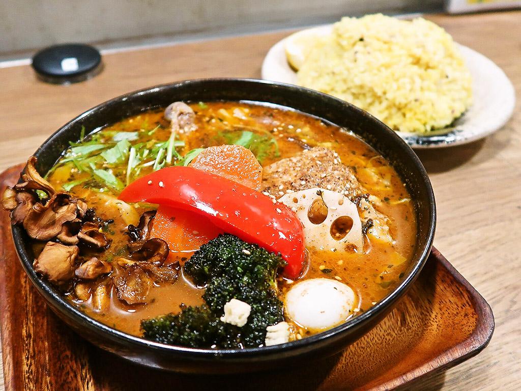GARAKU スープカレー ガラク「やわらかチキンレッグと野菜」