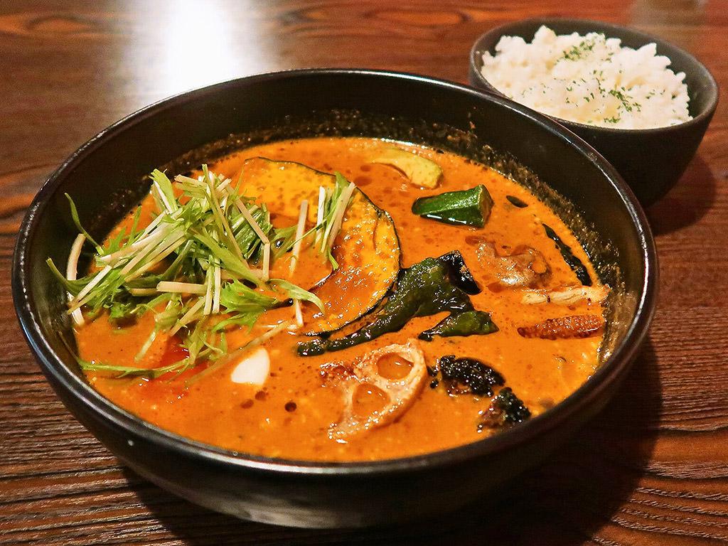 Soup Curry Maharaja (スープカレーマハラジャ)「18品目の畑の恵み」