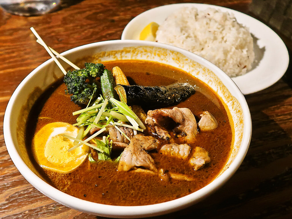 soup curry & dining Suage+(すあげプラス) 本店「生ラム炭焼きカレー」