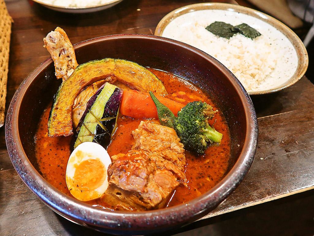 らっきょ&STAR「知床鶏と野菜のスープカレー」