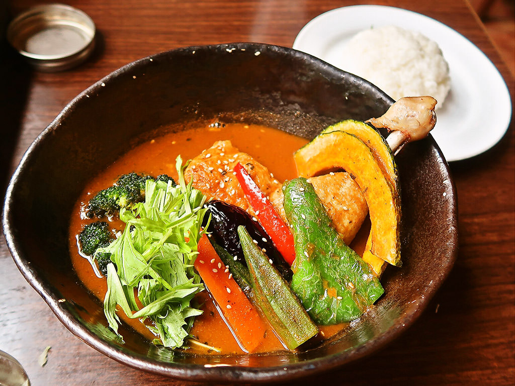 hiri hiri the SUN premium (スープカリー&Dining Cafe ヒリヒリ)「こだわり道産チキンと彩り野菜」