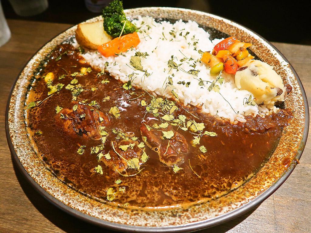 エイトカリー E-itou Curry「ブラックチキン」