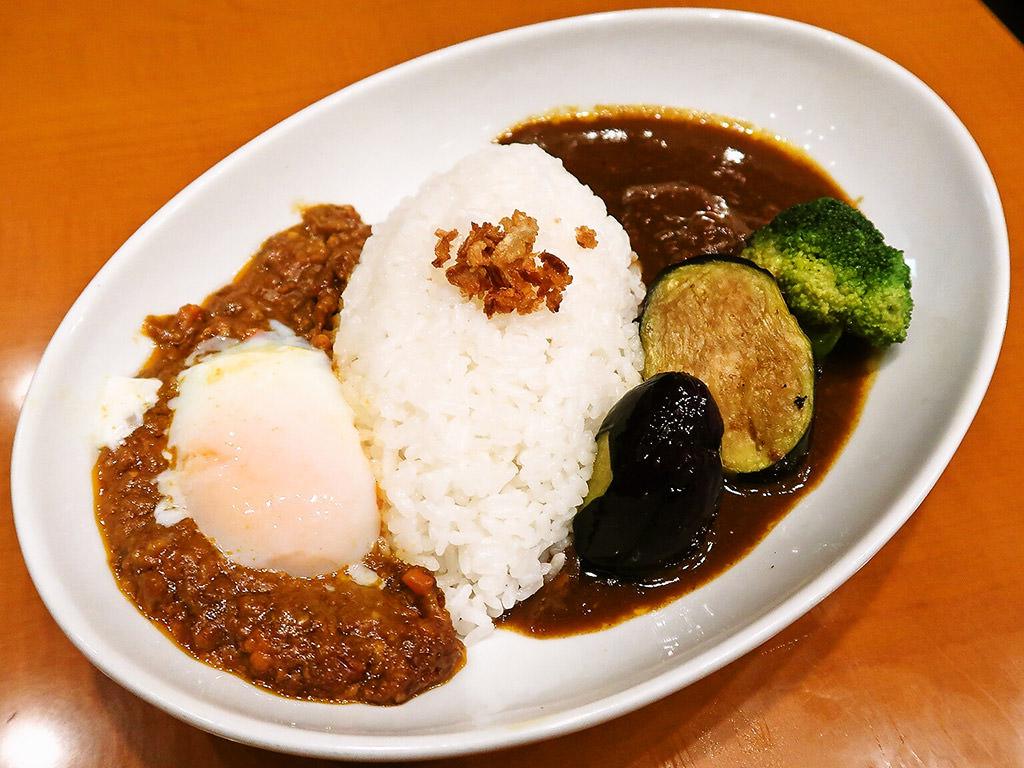 スープカレーとカレーの店 天馬 札幌ステラプレイス店「ビーフカレー&キーマカレー」