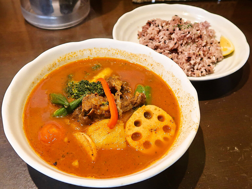 カリー乃 五〇堂 (ごまるどう)「スープカリー 北海道スネ肉」