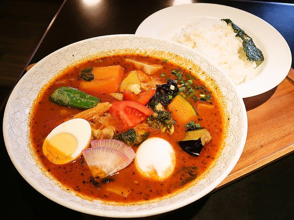 カレー食堂 心 札幌本店「とり野菜のスープカレー」