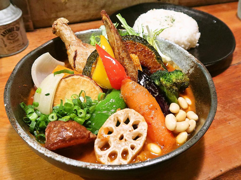 Rojiura Curry SAMURAI. (路地裏カリィ侍.) さくら店「チキンと一日分の野菜20品目」